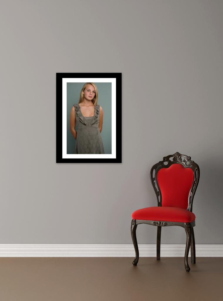 hilde van der sterren meisje groene jurk stoel wall art